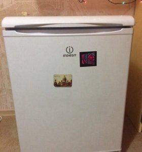 Мини холодильник Индезит
