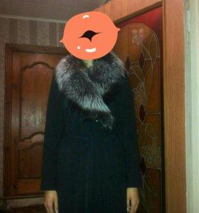 Продам новое пальто. Мех чернобурка.
