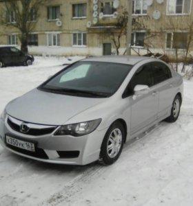 Honda civic 1.8 140 лс. 2010г