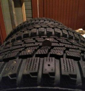 Продам зимние шины 225/55R16 dunlop Winter Ice 01
