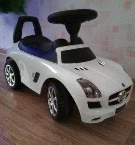 Машина-каталка Mercedes-Benz