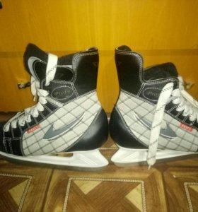Хоккейные коньки 39 размера!!!