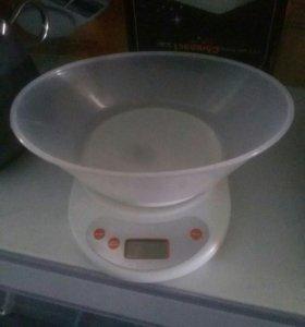 Весы кухонные 7кг (новые)