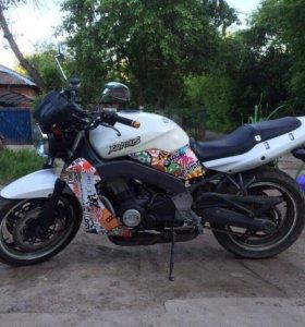 Kawasaki (ZR 400 D)