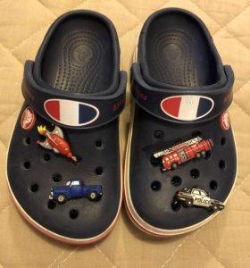 Резиновые тапочки Crocs