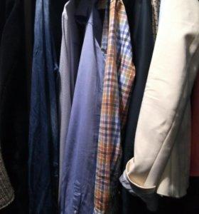 Одежда мужская разная, на парня рост 176 примерно