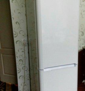 Холодильник на гарантии новый