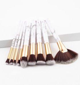 Профессиональный набор кистей для макияжа.
