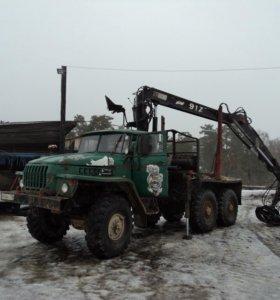 Лесовоз УРАЛ-4320 с КМУ HIAB 91Z