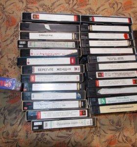 50 штук Старые видеокассеты VHS с фильмами