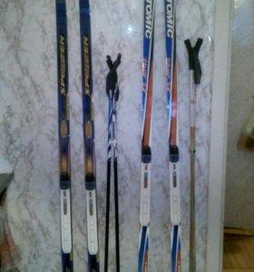 Лыжи с ботинками 43 р. с палками.