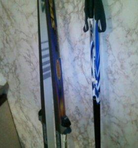 Лыжи с ботинками р.40 с палками.