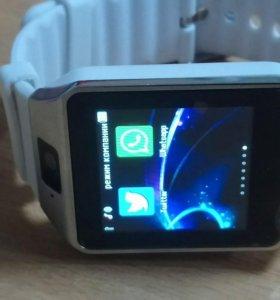 Smart часы белые