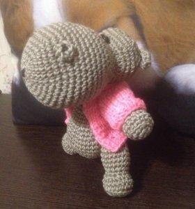 Вязанная игрушка бегемот