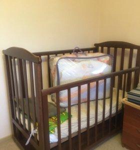 Кровать с маятником + матрац + бортики и балдахин
