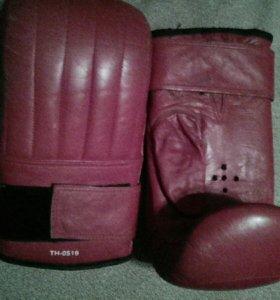 Боксерские перчатки Top Hill