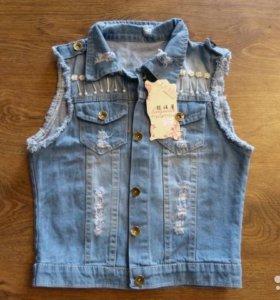 Новая джинсовая стильная жилетка