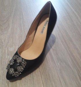 Новые туфли от Маноло Бланик