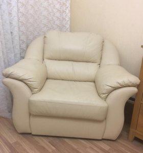 Диван + кресло из кожи