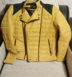 Курточка мужская.