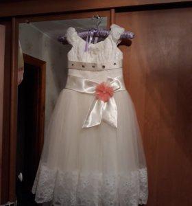 Платье возрост 4-5 лет