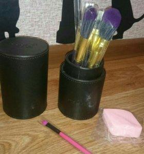 Набор кистей в тубусе для макияжа MSQ