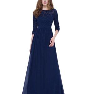 Новое темно-синее платье с кружевными рукавами