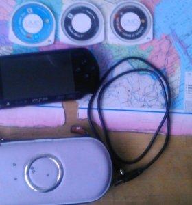 PSP с чехлом и играми