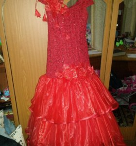 Платье на девочку 6-8 лет.