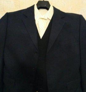 Черный пиджак и жилет