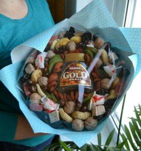 Букет из сухофруктов и конфет