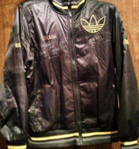 Оригинальная куртка-ветровка Adidas