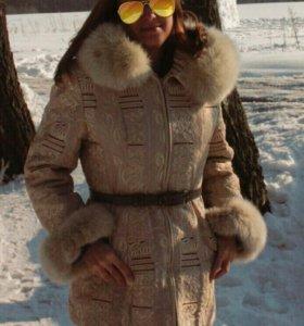 Пальто красивое (куртка)