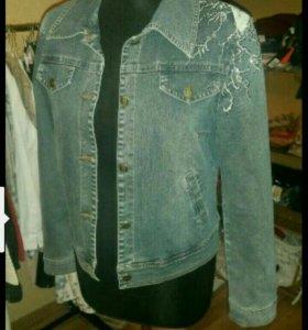 Джинсовая куртка пиджак 46 размер Италия