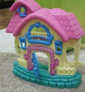 Домик для пупсиков либо киндер игрушек