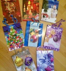 новогодние подарочные пакеты 20шт новые