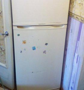 Холодильник samsu g