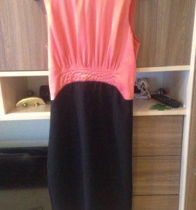 Женское платье, состояние нового