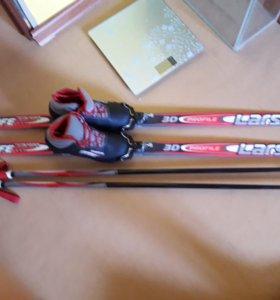 Лыжы,ботинки,палки.
