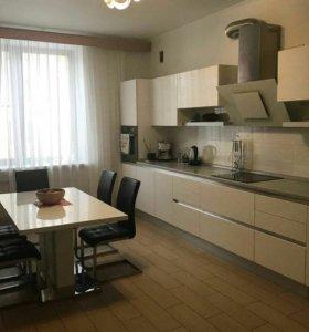 Квартира, 4 комнаты, 150.3 м²