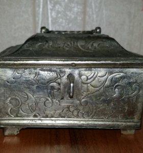 Шкатулка бронза 1870