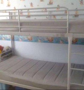 Кровать двухъярусная Икея
