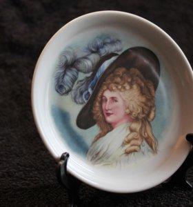 Миниатюрная тарелочка Limoges, портрет