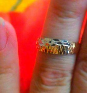Золотое кольцо,с алмазной гран.