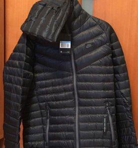 Куртка Nike с капюшоном