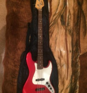 Fender Squier Affinity Jazz Bass бас-гитара