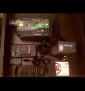 Видеокамера кассетная. Как новая