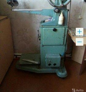 Швейная машина для ремонта обуви