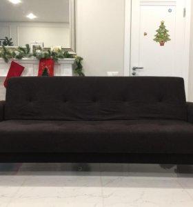 Красивый диван-кровать