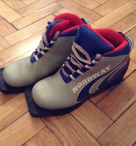 Лыжные детские ботинки р.33